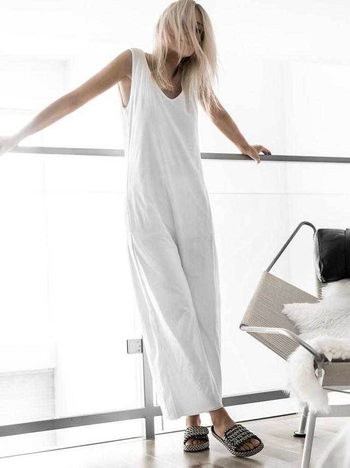 Fashion Round Neck   Pure Colour Sleeveless Jumpsuit