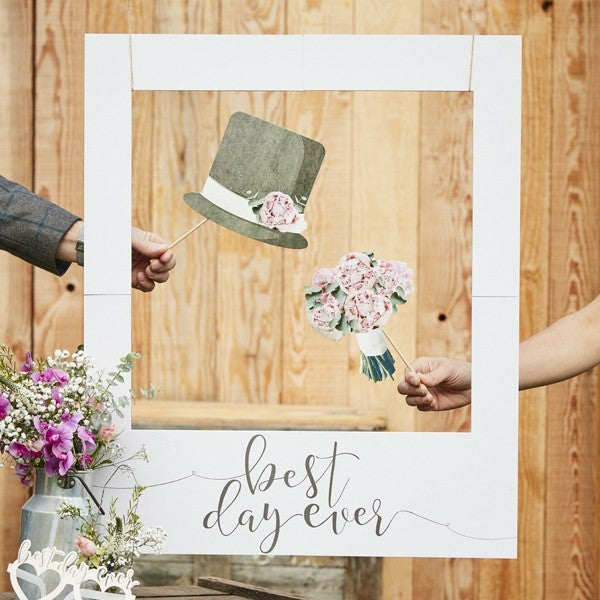 """Best Day Ever"" Photo Booth -kehys - Decora House"