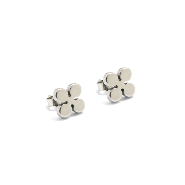 ESE 4241: 4-Petal Clover Flower Stud Earrings