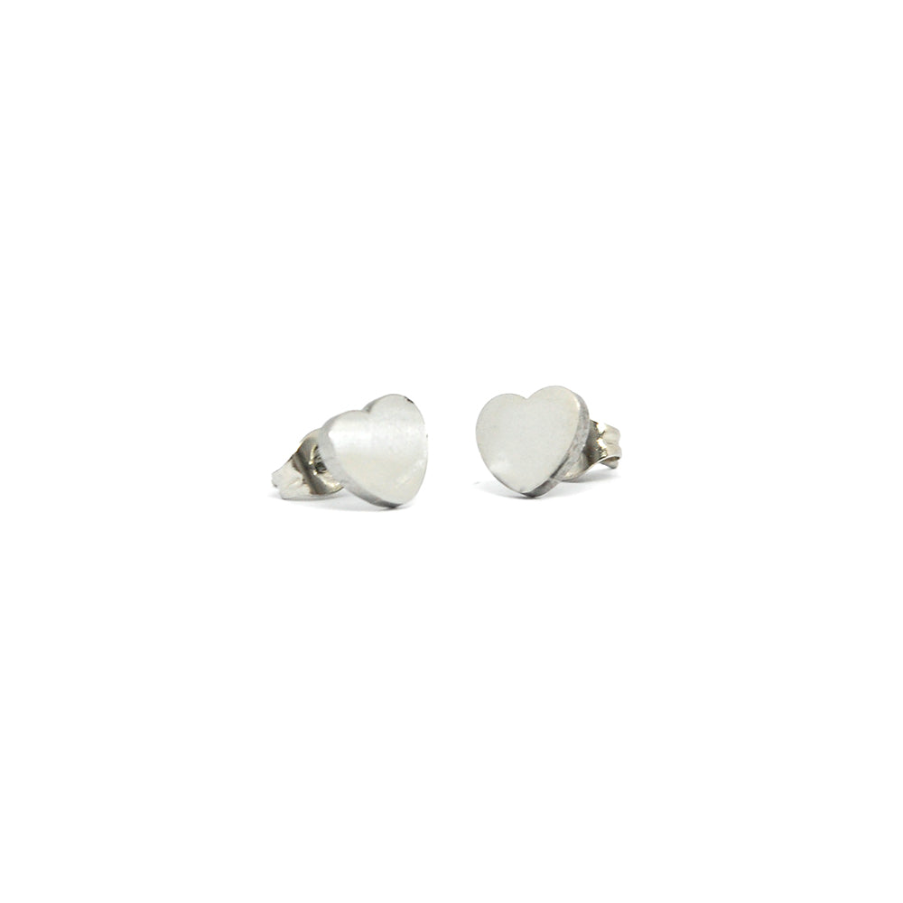 ESE 6800 :  Deeply In Love Stud Earrings