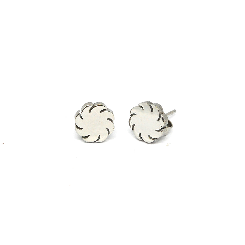 ESE 4454: Shiny Sun Stud Earrings