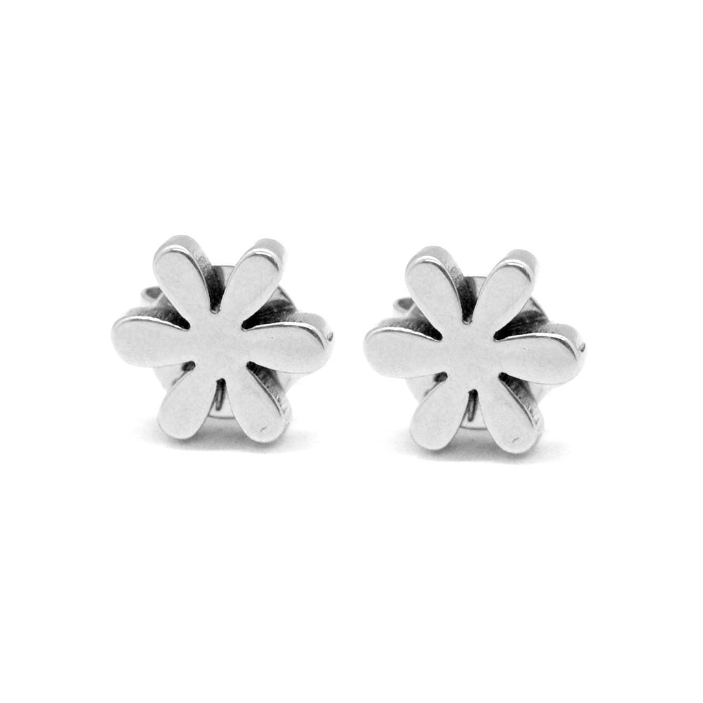 ESE 4238: 6-Petal Daisy Stud Earrings