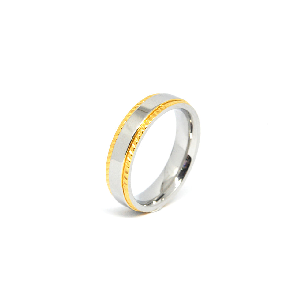 ESR 5947: Holly Glossy Ring w/ Gold Plated Milgrain Border
