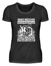 Laden Sie das Bild in den Galerie-Viewer, Damen Basic T-Shirt Black / S Basketballerin: Coole Mädchen spielen Basketball  - Damenshirt (4362266476596)