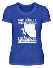 Laden Sie das Bild in den Galerie-Viewer, Damen Basic T-Shirt Neon Blue / S Klettern: Coole Mädchen klettern  - Damenshirt