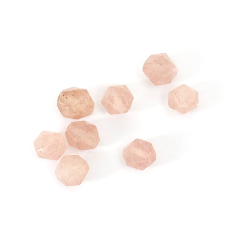 8 perles Polygones 6mm naturelles de Quartz fraise