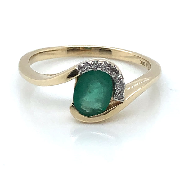 9ct Gold Emerald & Diamond Twist Ring
