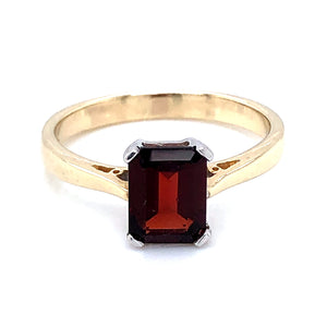 9ct  Gold  Rectangular Garnet Ring