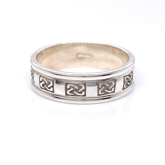 Sterling Silver Ladies Embossed Trinity Knot Ring