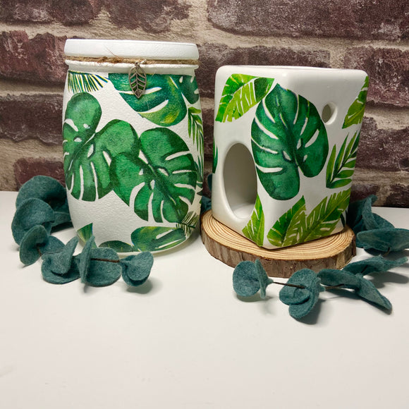 Monstera leaf set