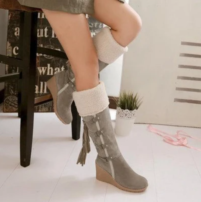 Round toe frosted high heel snow boots
