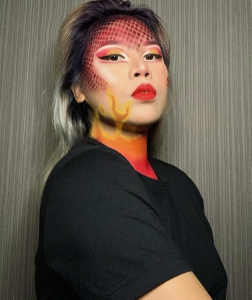 Maquillage dragon flamme