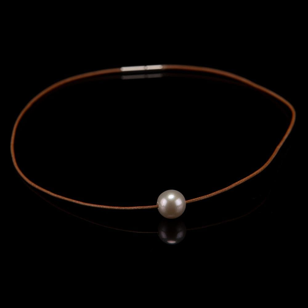 Kangaroo Leather Freshwater Pearl Necklace - White | Akuna Pearls | Freshwater Pearl Jewellery | Made in Australia