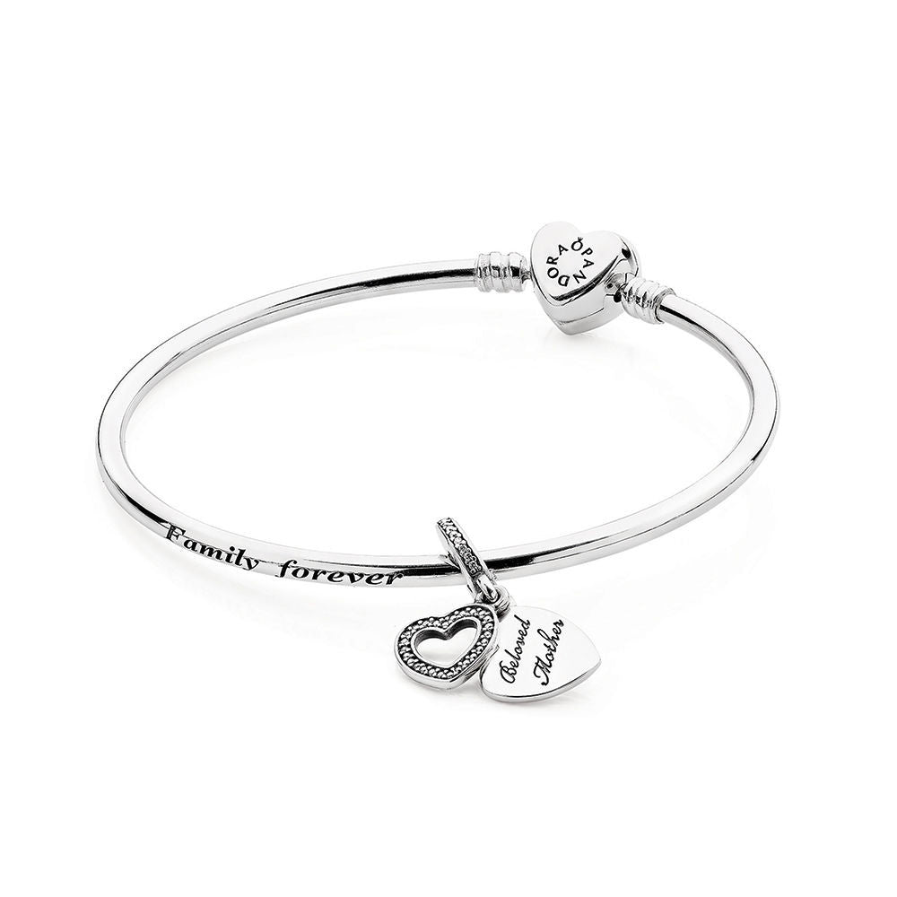 Mothers Charm Bracelet: A Mothers Love Bangle Gift Set