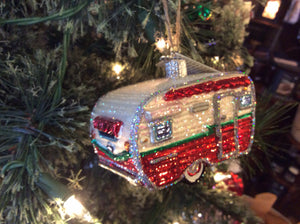 Travel Trailer Ornament - Old World Christmas