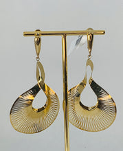 Load image into Gallery viewer, 14K Yellow Gold Earrings Graziella
