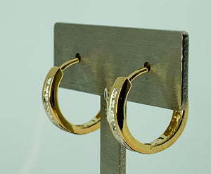 10K YELLOW GOLD DIAMOND HUGGIES EARRING