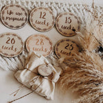 Wooden Pregnancy Milestone Discs Set - Wreath