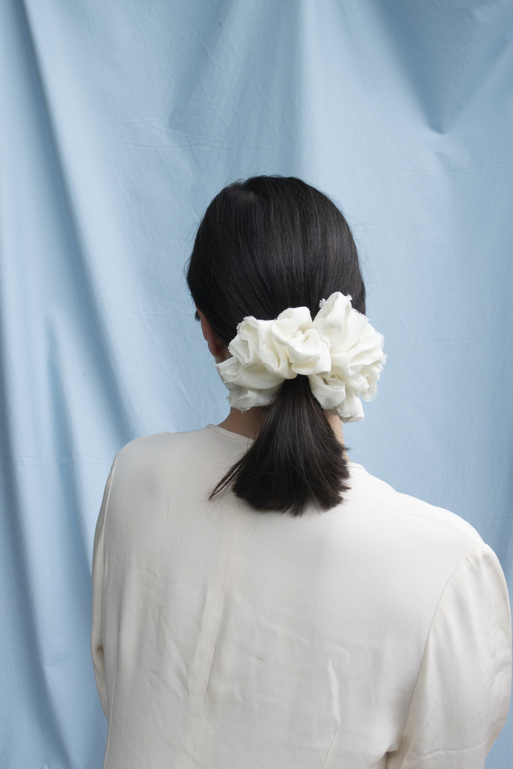 Mega Scrunchie - Volume Silk White