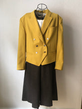 Load image into Gallery viewer, Vintage Cropped Blazer - Betty Barclay