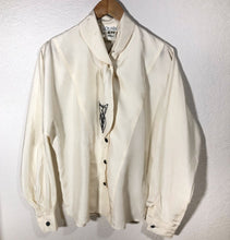 Load image into Gallery viewer, Vintage Laurèl Ivory Silk Blouse