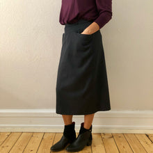 Load image into Gallery viewer, 80's Vintage Midi Skirt