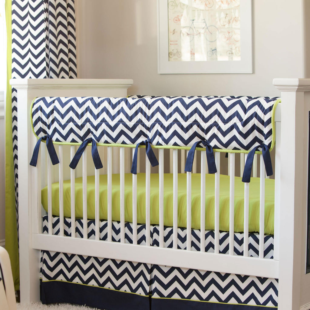 Product image for White and Navy Zig Zag Crib Rail Cover