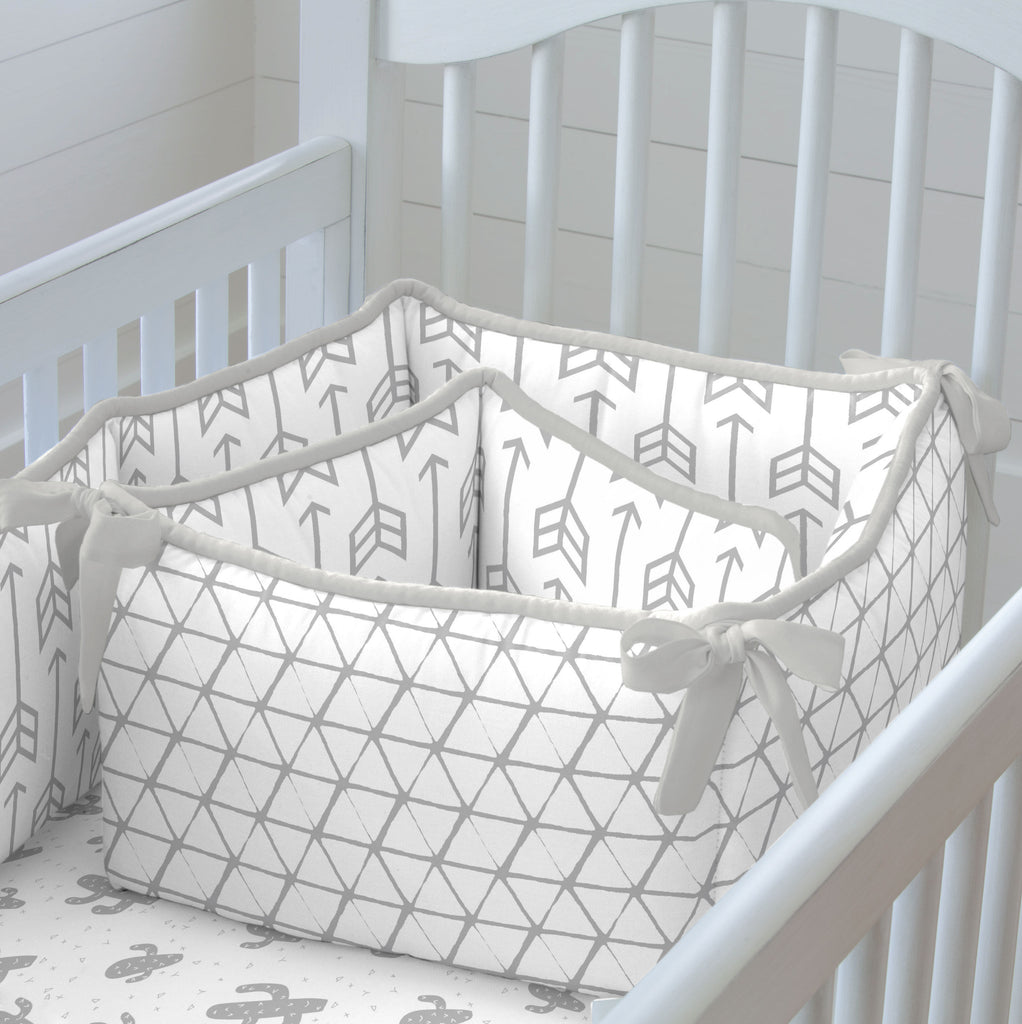 Product image for Silver Gray Arrow Crib Bumper