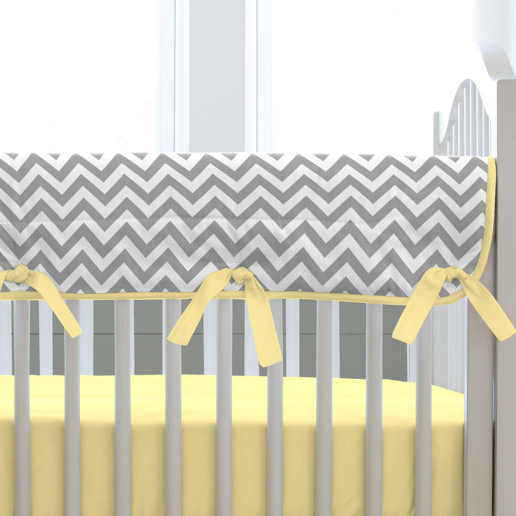 Product image for White and Gray Zig Zag Crib Rail Cover