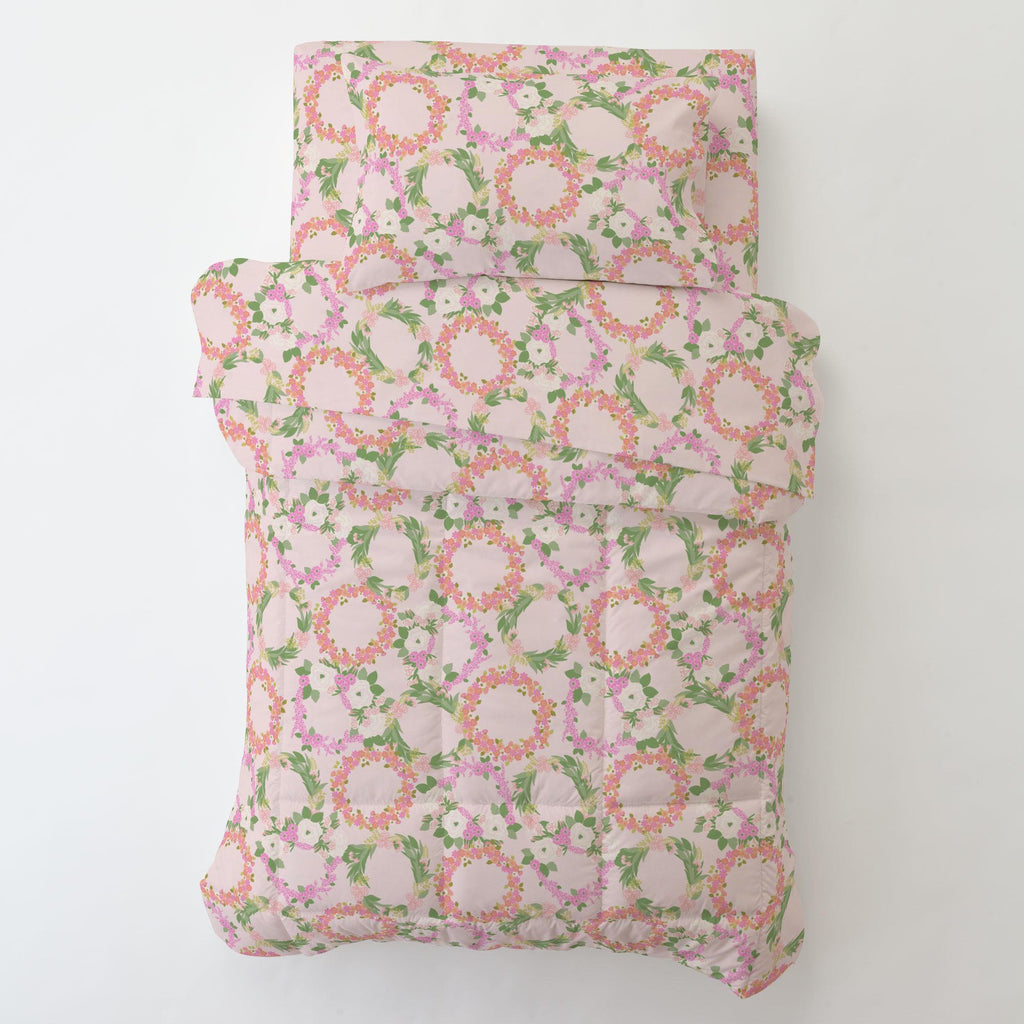 Product image for Pink and Coral Floral Wreath Toddler Comforter