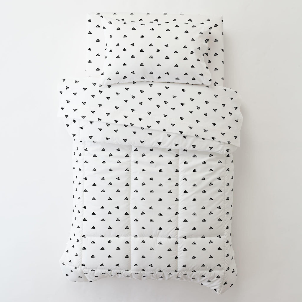 Product image for Onyx Triangle Dots Toddler Sheet Bottom Fitted