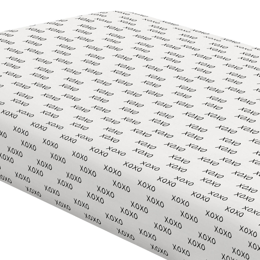 Product image for Onyx Hugs and Kisses Crib Sheet