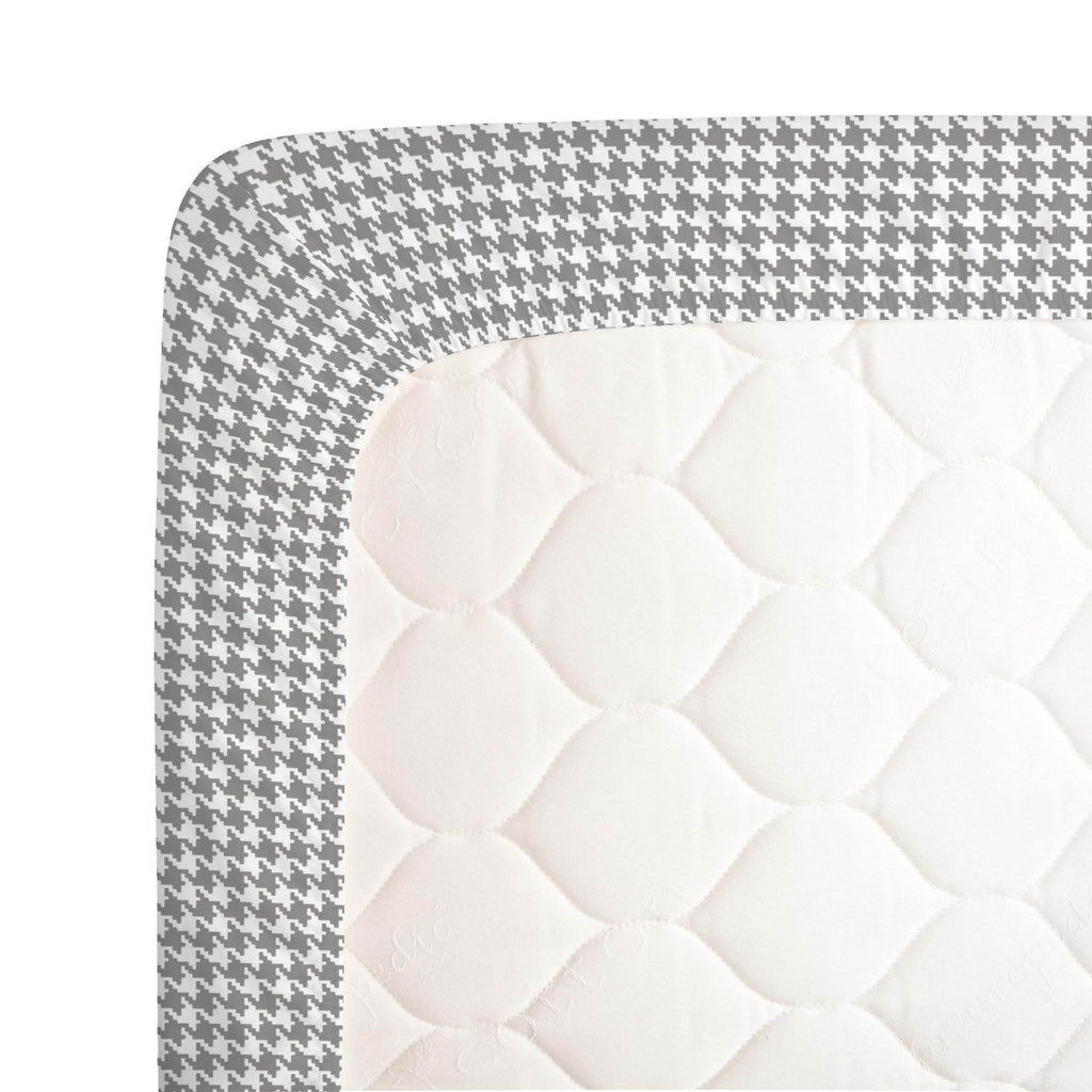 Product image for Cloud Gray and White Houndstooth Crib Sheet