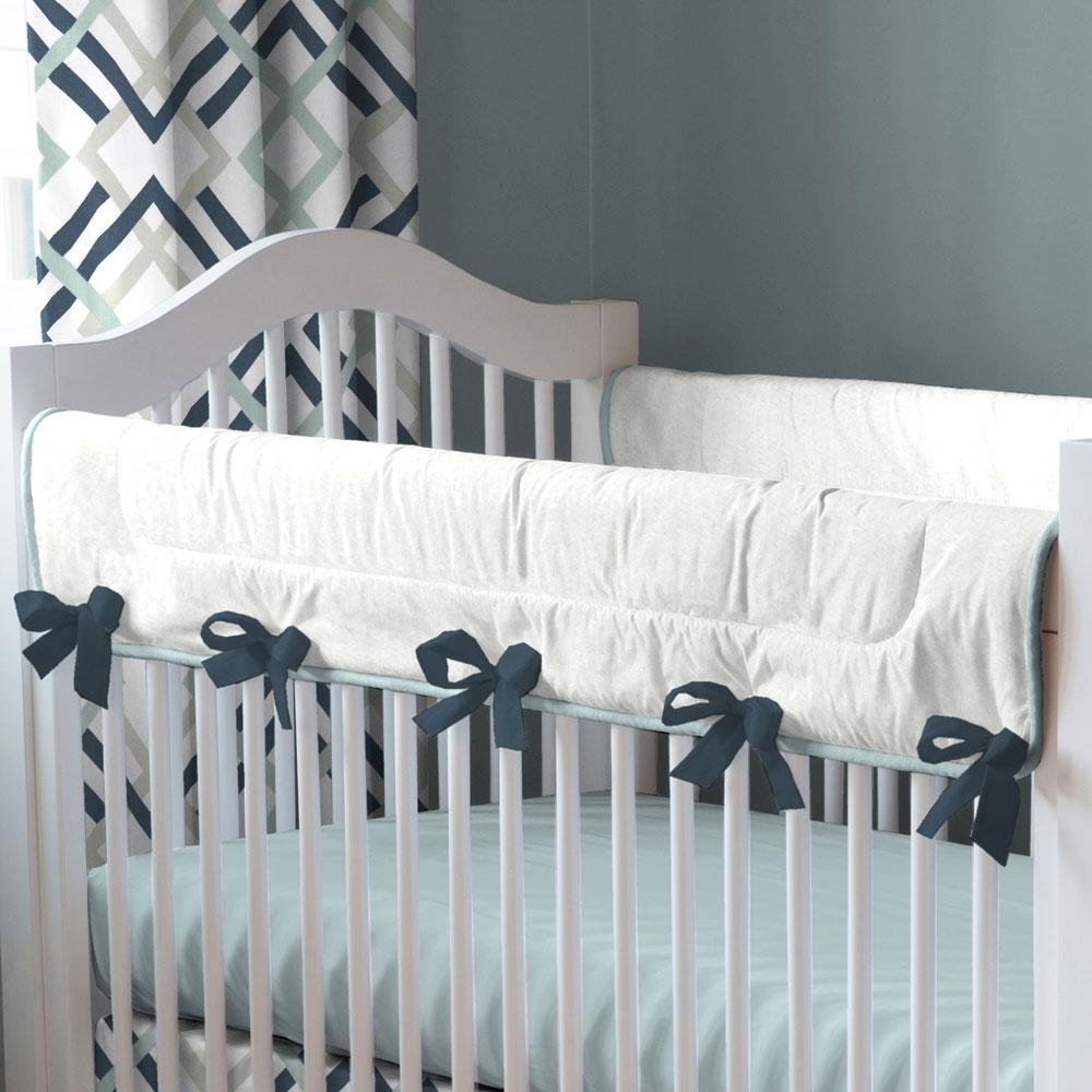 Product image for Navy and Gray Geometric Crib Rail Cover