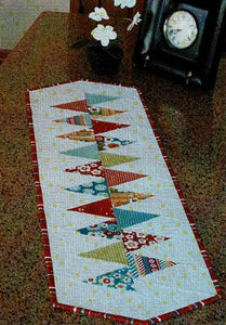 Cut Loose Press - Winding Table Runner Pattern