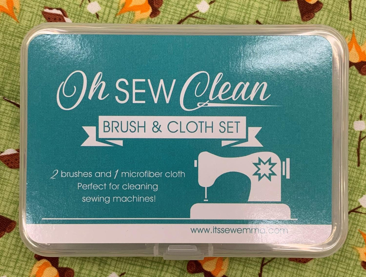 Oh So Clean Brush & Cloth Set