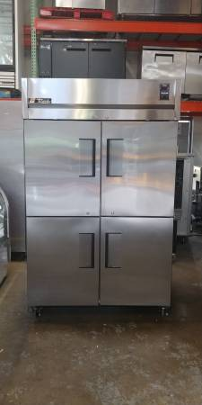True 2 Door Reach In Freezer (Spec Series)