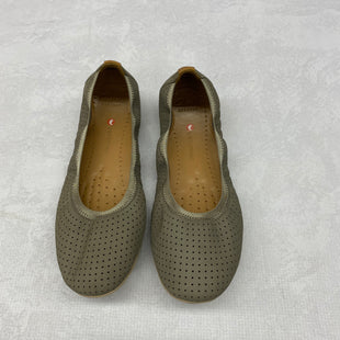 Primary Photo - BRAND: CLARKS STYLE: SHOES FLATS COLOR: GREY SIZE: 7 SKU: 191-19145-13840