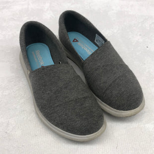 Primary Photo - BRAND: REEBOK STYLE: SHOES FLATS COLOR: GREY SIZE: 6 SKU: 191-191196-7263