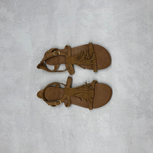 Primary Photo - BRAND:    CLOTHES MENTOR STYLE: SANDALS FLAT COLOR: BROWN SIZE: 7 SKU: 191-191212-5426