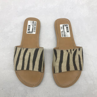 Primary Photo - BRAND:    CLOTHES MENTOR STYLE: SANDALS FLAT COLOR: ZEBRA PRINT SIZE: 7 SKU: 191-191175-17303