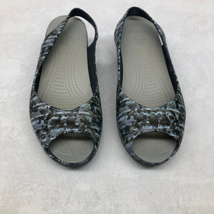 Primary Photo - BRAND: CROCS STYLE: SANDALS LOW COLOR: BLUE SIZE: 10 SKU: 191-191175-17282