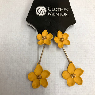 Primary Photo - BRAND:    CLOTHES MENTOR STYLE: EARRINGS SKU: 191-19158-30257