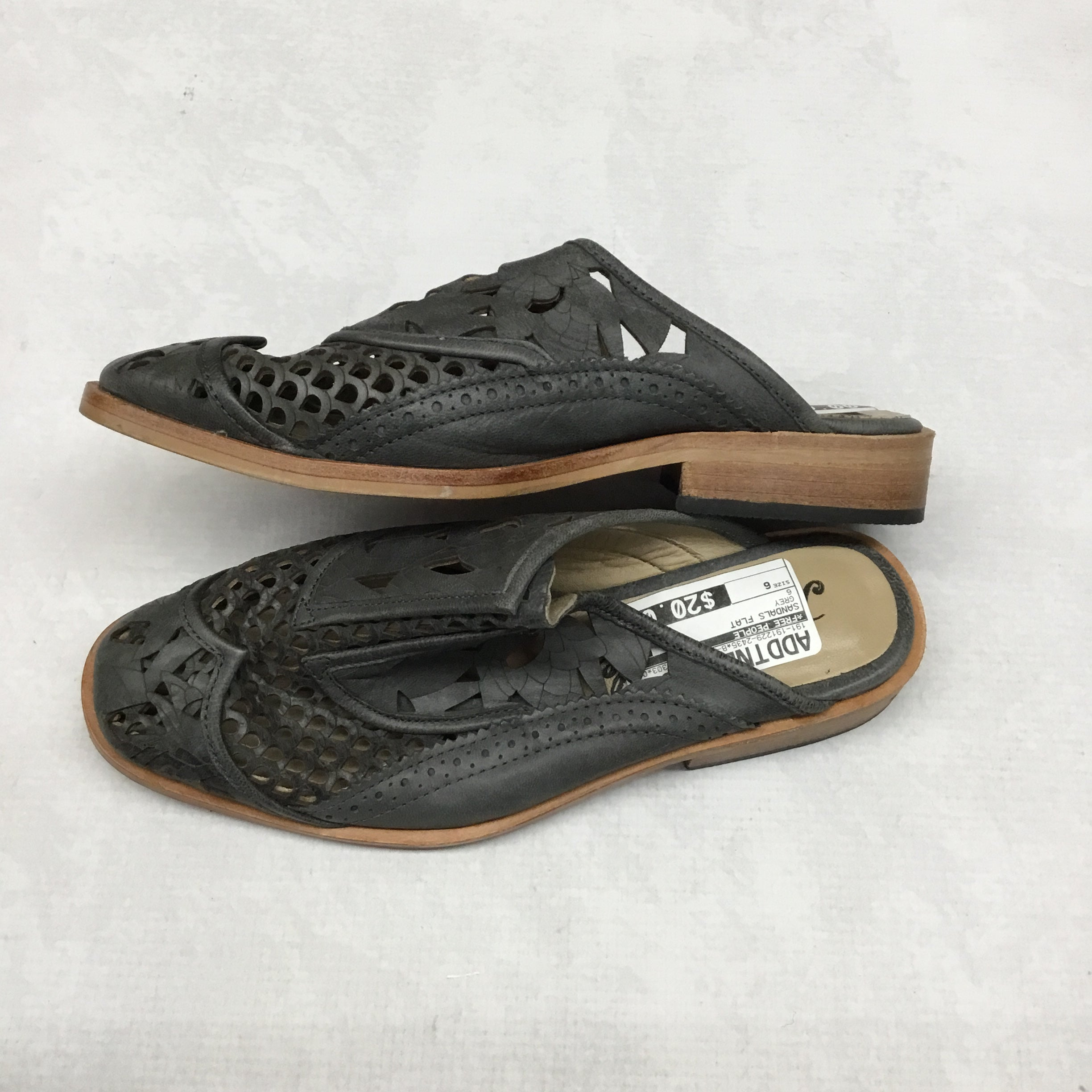 Photo #2 - BRAND: FREE PEOPLE <BR>STYLE: SANDALS FLAT <BR>COLOR: GREY <BR>SIZE: 6 <BR>SKU: 191-191229-2435