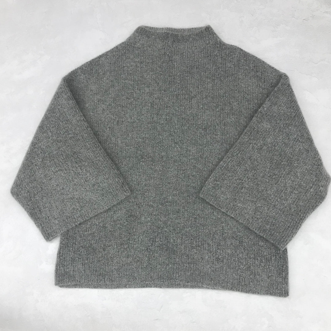 Primary Photo - BRAND: H&M <BR>STYLE: SWEATER HEAVYWEIGHT <BR>COLOR: GREY <BR>SIZE: S <BR>SKU: 191-19145-18661