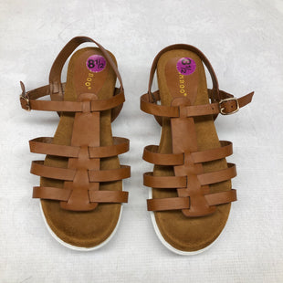 Primary Photo - BRAND: BAMBOO STYLE: SANDALS FLAT COLOR: BROWN SIZE: 8.5 SKU: 191-19145-21965
