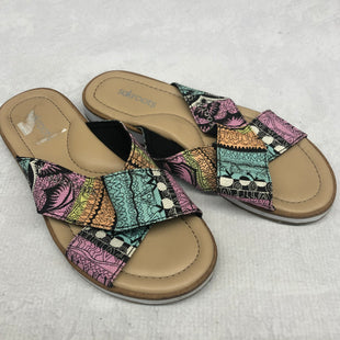 Primary Photo - BRAND: SAKROOTS STYLE: SANDALS FLAT COLOR: MULTI SIZE: 6 SKU: 191-191219-3233