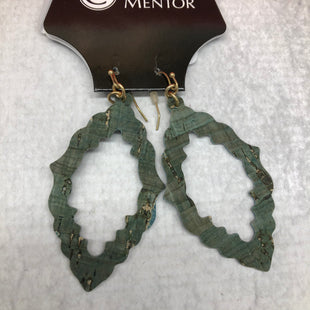 Primary Photo - BRAND:    CLOTHES MENTOR STYLE: EARRINGS COLOR: MULTI SKU: 191-191217-2561