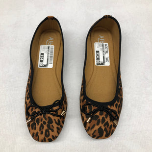 Primary Photo - BRAND:    CLOTHES MENTOR STYLE: SHOES FLATS COLOR: ANIMAL PRINT SIZE: 7.5 OTHER INFO: ALBBG - SKU: 191-191229-960
