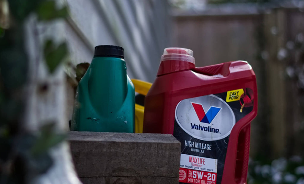 How and Why You Should Use Garage Door Lubricant